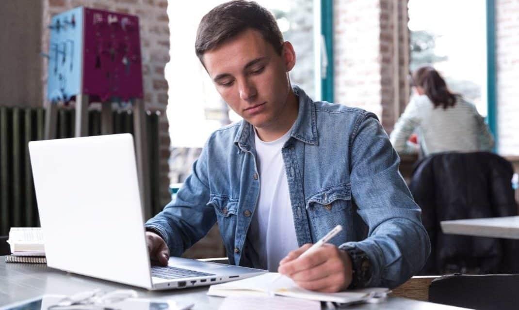 5 astuces pour que votre ado fasse enfin ses devoirs