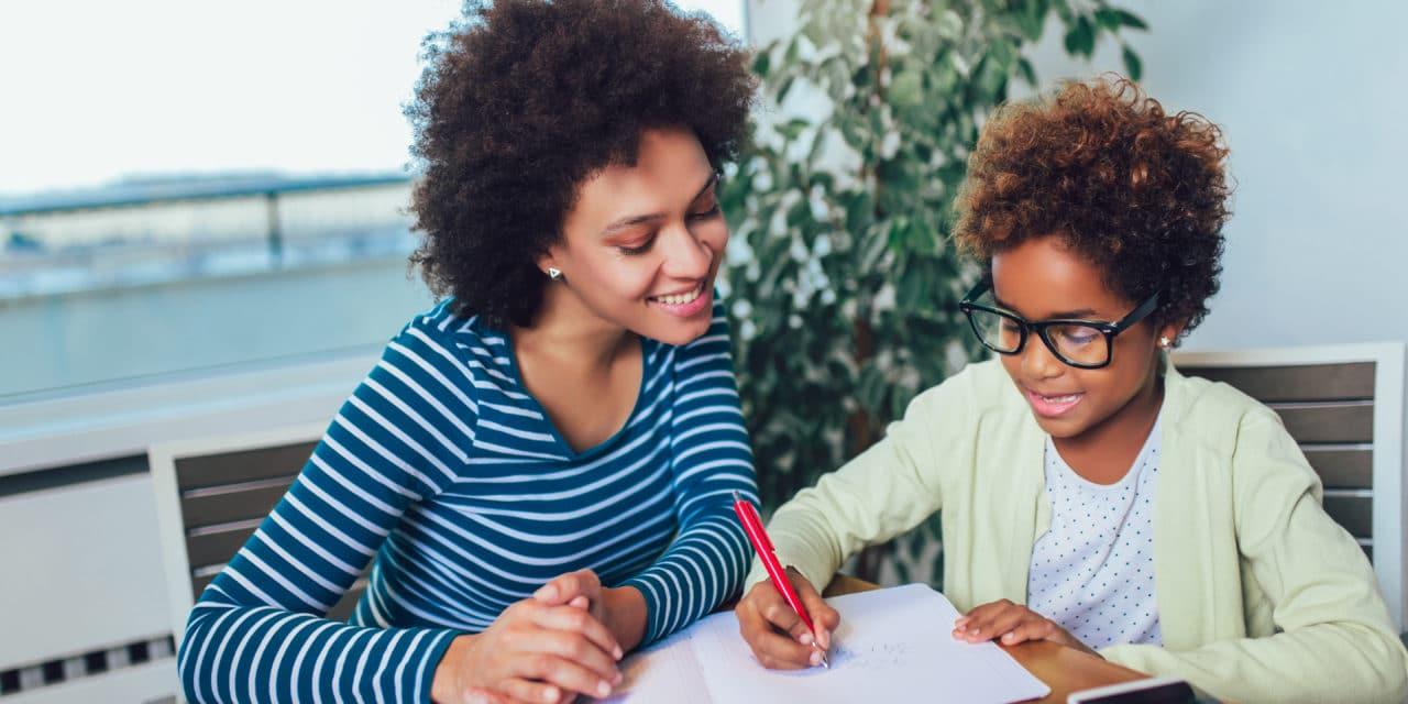 École à la maison : encadrer et accompagner vos enfants pendant cette période particulière